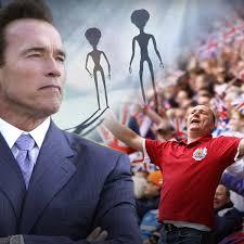 Arnold Schwarzenegger Voted Best Leader for Alien Invasion, Will ...