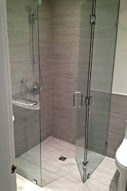 Curbless frameless corner shower (Neo-Angle) Frameless Showers, Vancouver  modern-bathroom