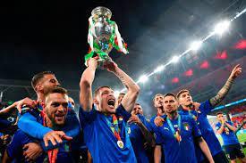 Italy Beat England on Penalties to Lift ...