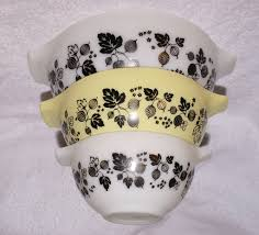 Vintage Pyrex Gooseberry Design Pyrex Gooseberry Bowl Set Vintage 2 Moving Things Arou