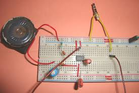 small loudspeaker circuit diagram using ic lm386 small loudspeaker for computer or cell phone