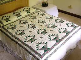 Patchwork Basket Quilt -- great cleverly made Amish Quilts from ... & Green Patchwork Basket Quilt Photo 1 ... Adamdwight.com