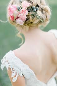 編み込みねじり編みの可愛い花嫁ヘアスタイル結婚式の髪型特集 花嫁