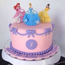 Disney Princesses Cake By Maris Boutique Cakes Maris Boutique