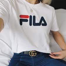 海外セレブ風のtシャツコーデはブランドロゴ入りが可愛い Miss
