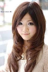 Untuk memancarkan pesona tersebut, dibutuhkan potongan rambut dan poni yang tepat. 18 Model Potongan Rambut Untuk Wajah Bulat Dan Pipi Tembem Pendek Dan Panjang Sealkazz Blog Potongan Rambut Untuk Wajah Bulat Potongan Rambut Gaya Rambut