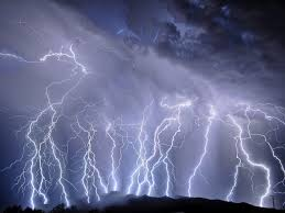 Biggest Lighting Strike Two Of The Longest And Biggest Lightning Strikes On Earth