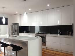 Splashback For White Kitchens 17 Best Ideas About Kitchen Glass Splashbacks On Pinterest