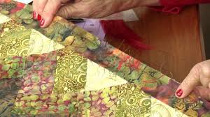 Quick Tips With Eleanor Burns: Hand Sewing Binding on Vimeo &  Adamdwight.com