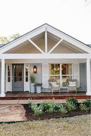 Best 25+ Beach cottage exterior ideas on Pinterest   Coastal decor ...