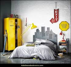 ... New York Themed Bedroom Decor. In The End This Is Your Bedroom And You  Are The One Who Has To Live In It, So You May As Well Love It. Good Luck!
