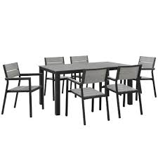 size outdoor dining furniture