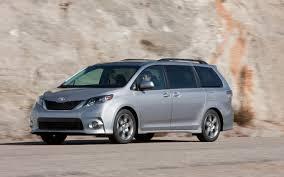 2012 Toyota Sienna Photo Gallery - Motor Trend