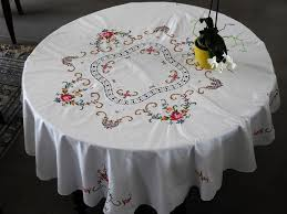 old embroidered tablecloth round diameter 1 m 50 and big old square doily