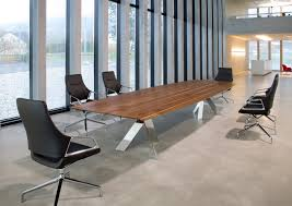 modern conference table  ambience doré