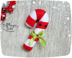 Large Candy Cane Decorations Wonderful Diy Christmas Candy Cane Wreath How To Decorate With 84