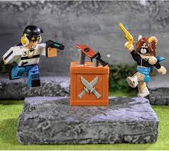 Roblox murder mystery 2 was created by the most popular developer nikilis in the year 2014 (18 january). Amazon Com Roblox Action Collection Murder Mystery 2 Game Pack Includes Exclusive Virtual Item Everything Else