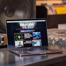 Apple MacBook Pro review (2018, 15-inch): the heat is on - The Verge