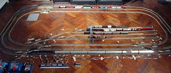 naked märklin 1999 living room layout kinda small huh