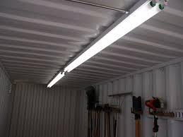 8 foot fluorescent light fixture