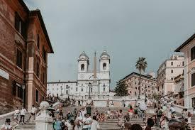 Seit 1587 thront die kirche santa trinità dei monti (heilige dreifaltigkeit vom berge) über der piazza di spagna. Rom 5 Klassiker In Der Ewigen Stadt