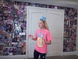 Jojo siwa house los angeles (former). Video 16 Year Old Jojo Siwa S Mansion Tour On Youtube