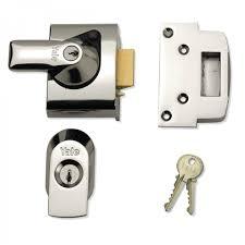 Yale Front Door Lock - Narrow Body - PBS2 High Security Nightlatch ...