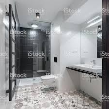 Badezimmer Mit Muster Bodenfliesen Stockfoto Und Mehr Bilder Von