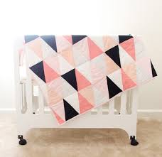 modern ombre + b/w triangle quilt tutorial + pattern - see kate sew & modern ombre + b/w triangle quilt tutorial + pattern | how to make a Adamdwight.com