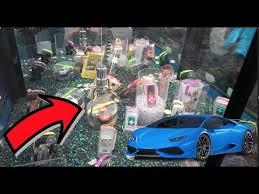 Lamborghini Vending Machine Amazing YOU CAN WIN A LAMBORGHINI FROM THIS CLAW MACHINE YouTube