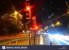 Stop Light At Night Time Exposure Red Stop Traffic Light At Night Leeds United