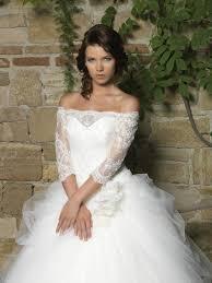 NEU bei crusz: Izmir Bridal Hochzeitskleider -crusz Brautblog