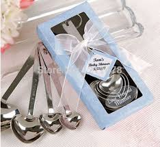 elegant wedding favors and gifts set for wedding souvenir party