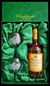 claddagh irish whiskey gift set with 2 gles 375ml