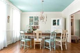 Antique furniture decorating ideas Bedroom Decorating Antique Chairs And Chandelier For Modern Dining Room Design And Decor In Vintage Style Lushome 10 Trends In Decorating With Modern Chairs 20 Dining Room Design Ideas