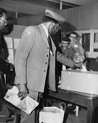 Bus driver Harry Graves votes on SEPTA contract - George D. McDowell  Philadelphia Evening Bulletin Photographs - Digital Collections