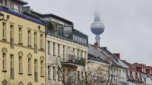 Der berliner senat hat am montag den offiziellen mietendeckelrechner mietendeckel.berlin.de. Ein Jahr Mietendeckel In Berlin Atempause Mit Vielen Fragezeichen Rbb24