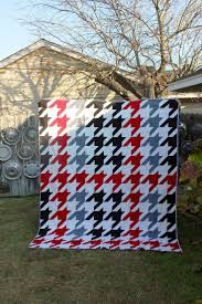 44 best Houndstooth Quilts images on Pinterest | Houndstooth, Easy ... & Houndstooth quilt! Adamdwight.com