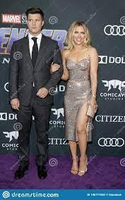 Colin Jost Und Scarlett Johansson ...