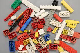 Nhựa đồ chơi LEGO có thể tồn tại trong đại dương tới 1.300 năm