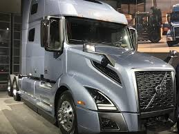 2018 volvo vnl. exellent vnl volvo trucks north america unveiled its new vnl tractor the first major  overhaul of flagship longhaul model since vn was introduced in 1996 inside 2018 volvo vnl n
