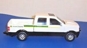 Ertl John Deere Pickup truck 1:32 scale 8