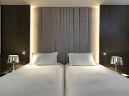 luxury room 2 single size beds floors 5 6 airport view