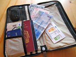 here s when you should bring travelers checks on vacation