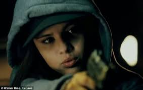 Gun-toting Selena Gomez tries to steal car as she continues bad girl streak ... - article-2336944-1A2CD4A7000005DC-718_634x400