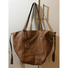 mk ashbury large leather bag condition 10 10 new color material brown ing sgd 270 rm 820 contact via whatsapp 6738881484