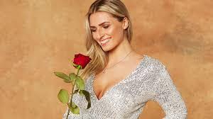 Bachelor 2021: Kandidatin Laura Stella Bühre bekommt nach ihrem ...