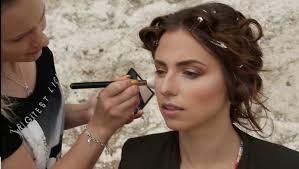 soft golden makeup for a photo shoot in a beach zydrezi you
