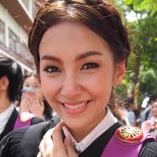 เบลล่า แคมเปน นางเอกสวยใสลูกครึ่งไทย - อังกฤษ