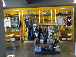 Resultado de imagen de negozio abbigliamento